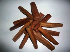 Sandalwood essentila oil
